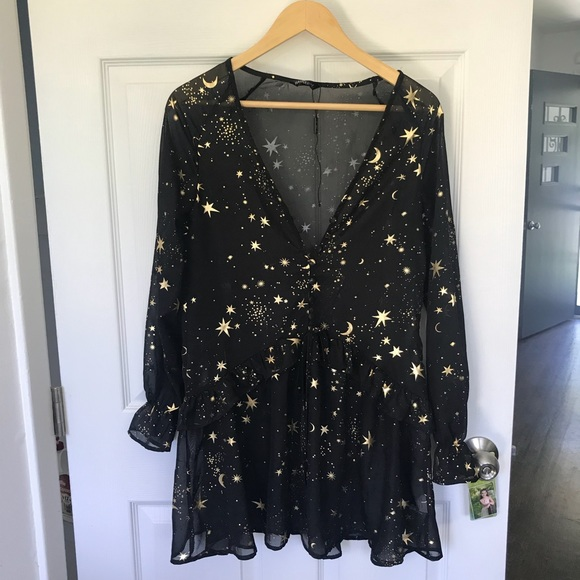 Dresses & Skirts - Galaxy print dress